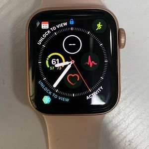 Apple Watch Series 4 with sports band 40mm